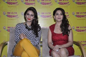 Actresses Madhuri Dixit and Huma Qureshi promoting their upcoming film Dedh Ishqiya (4)