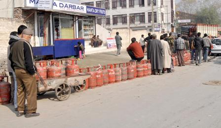 Home delivery of gas cylinders is a big joke in Kashmir Valley, consumers suffer due to price rise