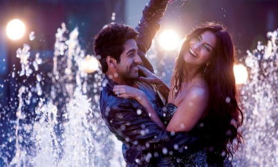Ayushmann leads 'Bewakoofiyaan' flash mob