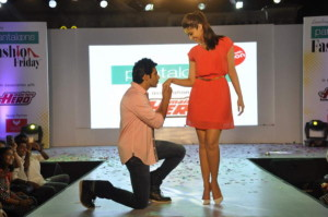 Varun and Ileana are promoting their latest movie Main Tera Hero (1)