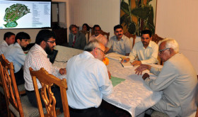 GOVERNOR  IN A MEETING WITH VC,  AND OTHER OFFICERS OF CUK
