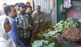 Market checking Kishtwar26