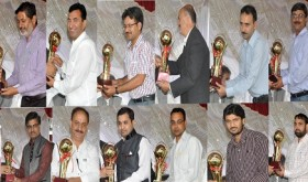 Speaker giveing away awards to media persons-30