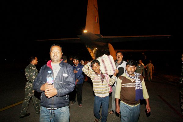 SHIB0994-flood affected people being ferried by IAF C-130J aircraft to Jammu from Srinagar