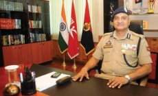 Rajendra visits Kupwara, interacts with people, reviews security situation