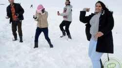 Gulmarg presents a pleasant sight for tourists after fresh snowfall