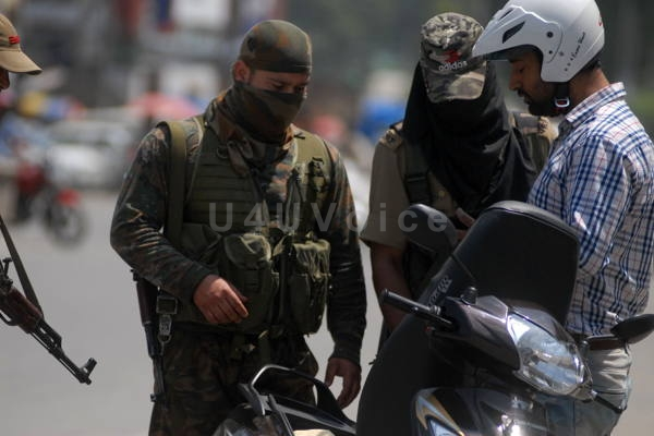 Jammu Kashmir News | Special Operation Group conducts surprise security checking at Ghanta Ghar in Srinagar ahead of PM Visit in Kashmir