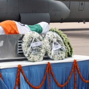 Parrikar, Defence Chiefs Paying Homage to Dr. Kalam