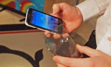 New touchscreen material to end daily smartphone charging