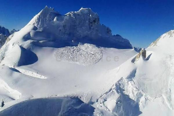 IN PICS || Operation at Siachen Glacier by Army, Air Force enters day 2