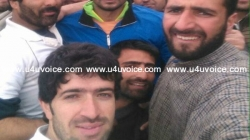Bangladesh Cricket captain stops to play cricket with Kashmiri locals
