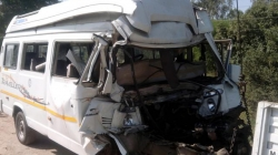 Vehicle plunges into nullah near Banihal; one dead, 8 rescued